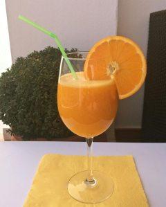 zumo naranja mango